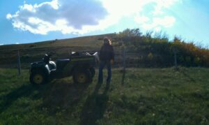 Fixing fence with the quad
